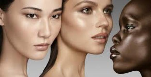 Люминайзер для лица ― что это такое, как выбрать, наносить при макияже