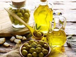 Оливковое масло, как применять для роста и густоты волос, вокруг глаз, для молодости лица и тела. Выбор оливкового масла
