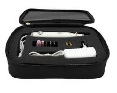 сумочка с аппаратным маникюром