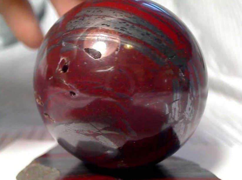 Камень гематит свойства и значение для человека Кому подходит кровавик по знаку зодиака Гематит камень кровавик