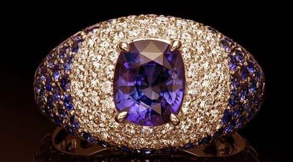 Сапфир камень Магические и лечебные свойства минерала Кому подходит по знаку зодиака Как носить и ухаживать
