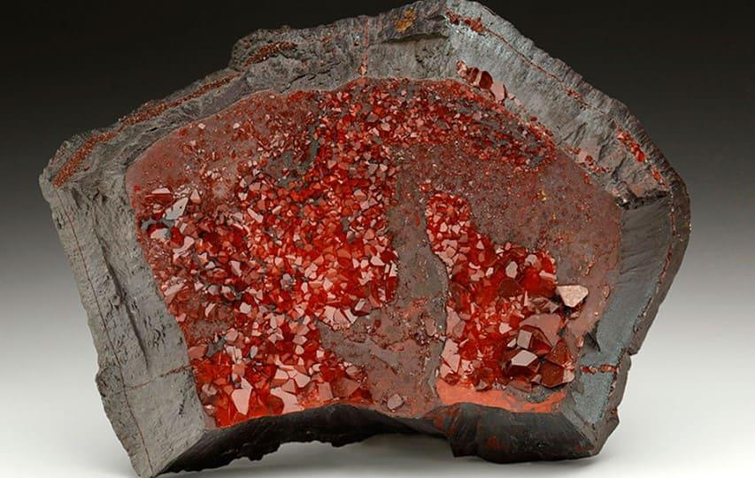 гематит камень свойства